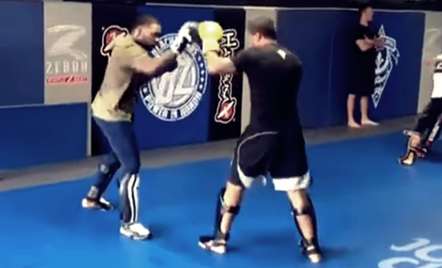 'Rumble' and Spong sparring! (VIDEO)