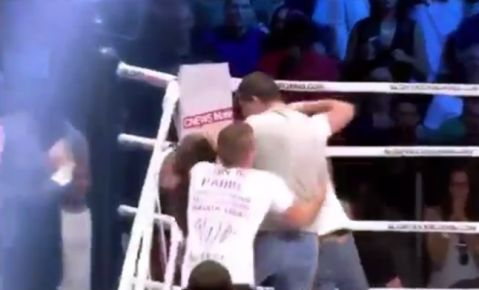 Groenhart wins by controversial KO, gets attacked by fans