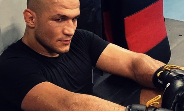 Junior dos Santos says that he'll finish Stipe Miocic at UFC 211