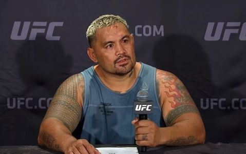 Mark Hunt mad at Dana White after being pulled from UFC Sydney
