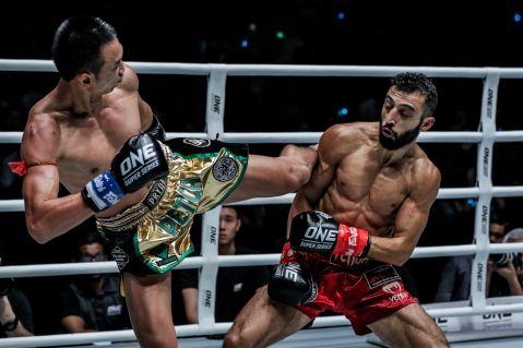 [Video]: Giorgio Petrosyan v Petchmorakot full fight