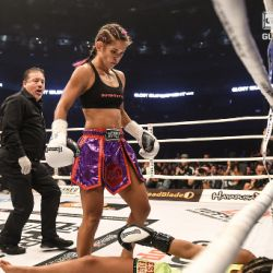 Van Soest defends her title in New York