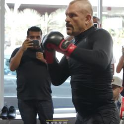 Chuck Liddell Workout With Tito Ortiz (VIDEO)