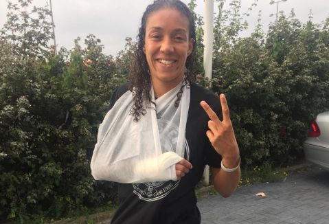 Germaine de Randamie completes hand surgery with no complications