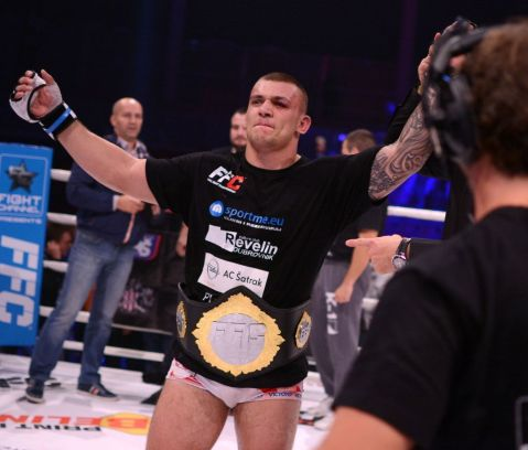 Darko Stošić defends his belt for the second time in the FFC ring